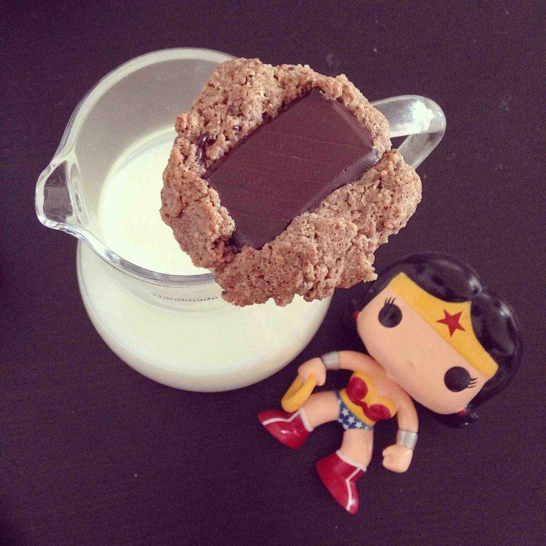 proteinowe czekoladowo-migdałowe cookies bez cukru i bez mąki