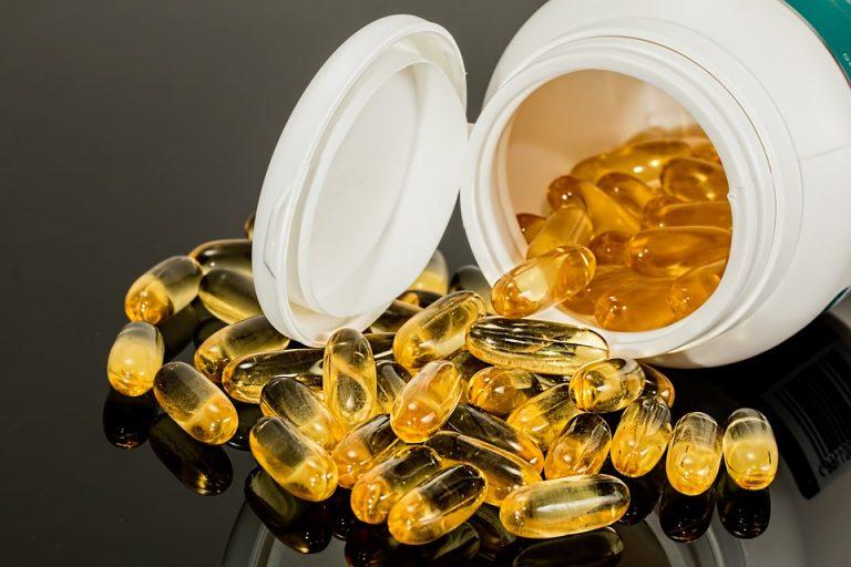 Trendy suplementacyjne: spadek popularności multiwitaminy, wzrost zainteresowania probiotykami i witaminą D.