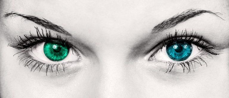 Luteina i Zeaksantyna: Unikalna pozycja do ochrony zdrowia oczu i mózgu