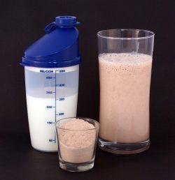 Odżywki proteinowe – kiedy po nie sięgać?
