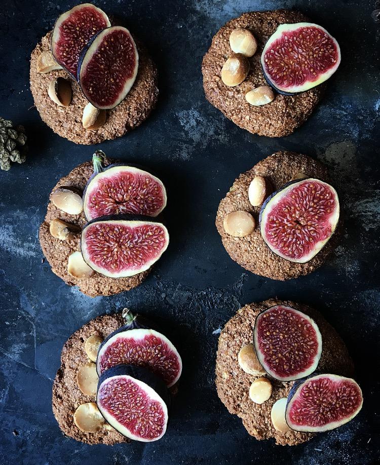 Ciasteczka z orzechami makadamia i figami