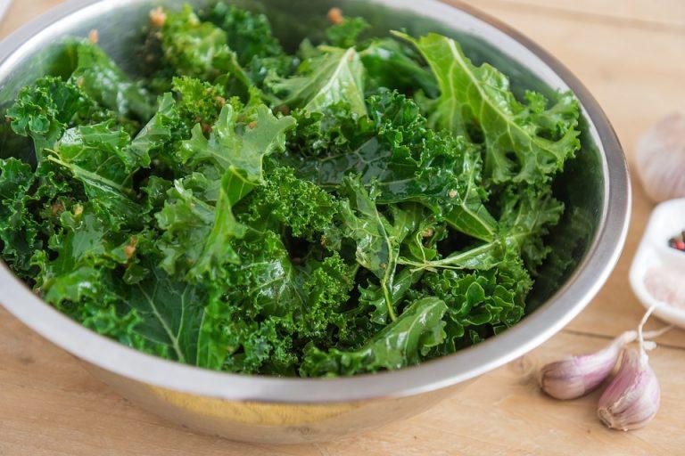 Związki zawarte w zielonych warzywach mogą pomóc w zapobieganiu pogorszeniu funkcji poznawczych