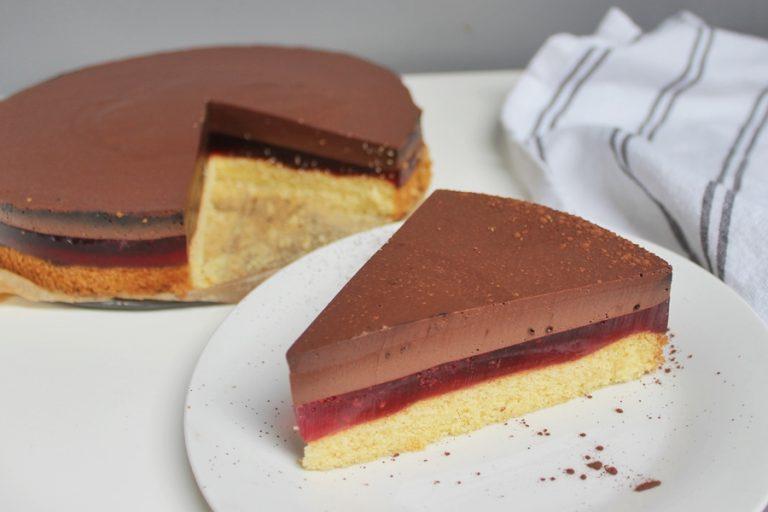 Ciasto z galaretką i musem czekoladowym