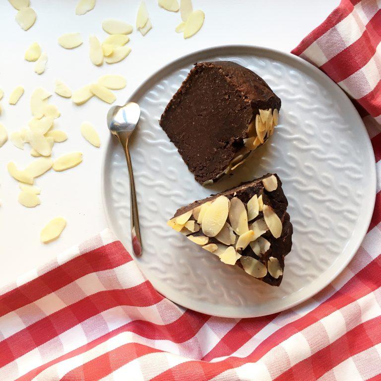 Czekoladowe ciasto z ciecierzycy (a'la bajaderka)