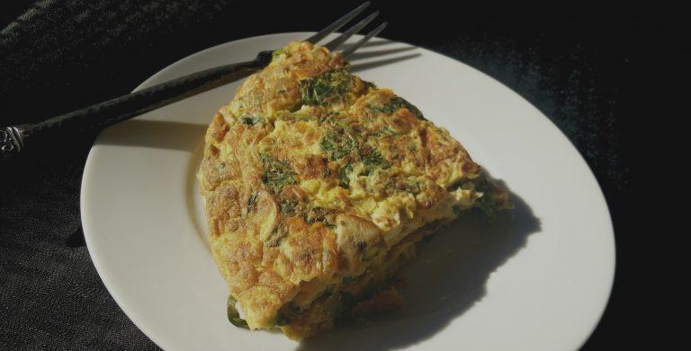 Śniadanie białkowo-tłuszczowe – hit czy kit?
