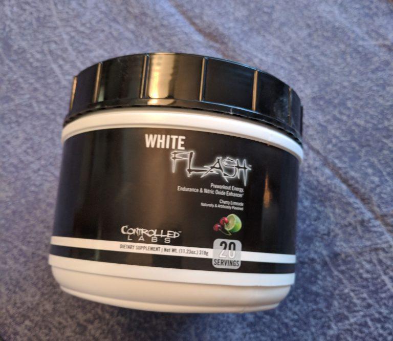 White Flash – przedtrenigówka od Controlled Labs!