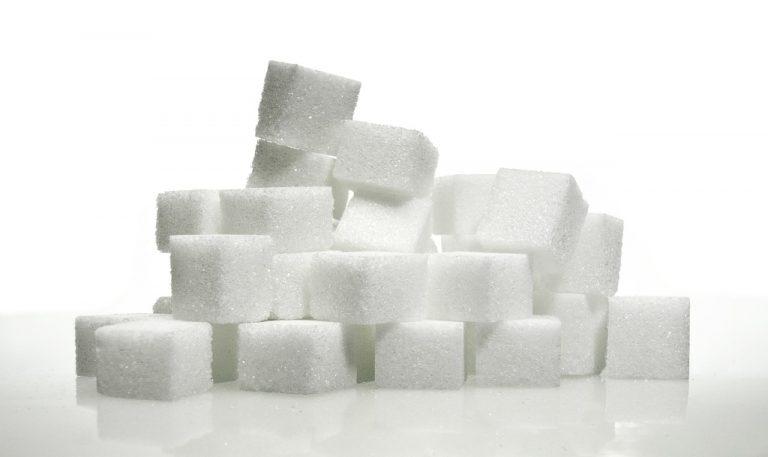 Czy cukier robi z nas idiotów? Destrukcyjny wpływ cukru na zdrowie