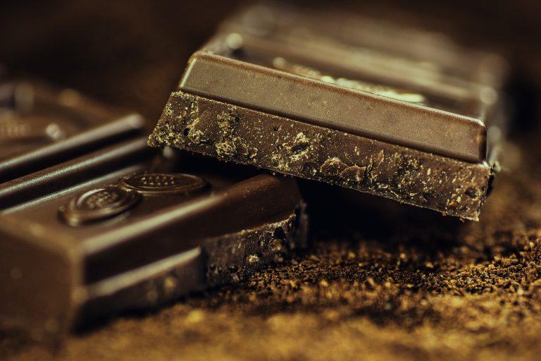 Czy gorzka czekolada może wspomagać utratę masy ciała?
