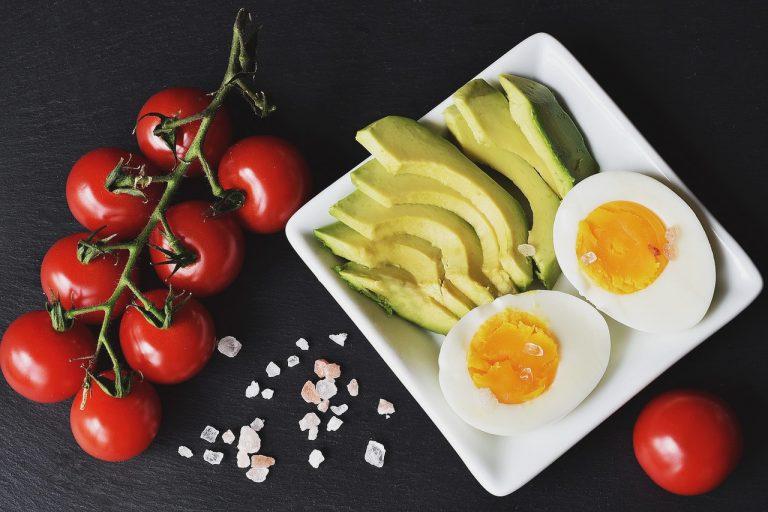 Czy na diecie niskowęglowodanowej nie da się przytyć?