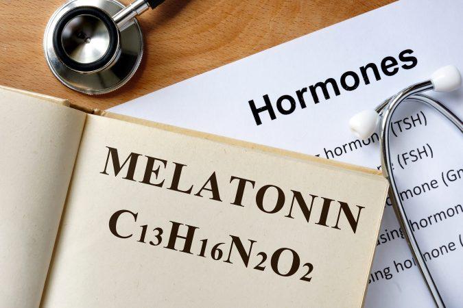 Melatonina hormon snu – czym jest i jak działa?