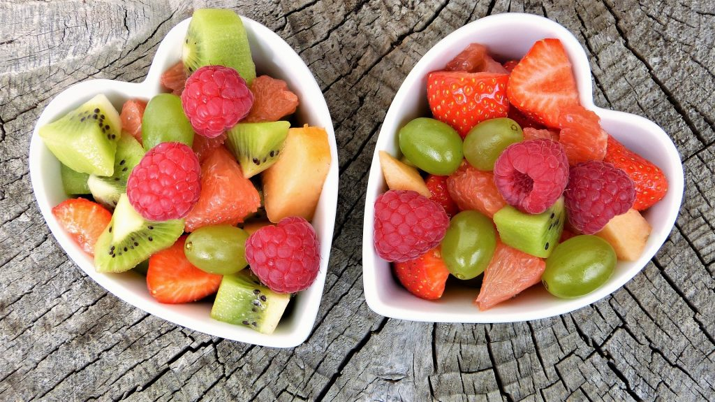 Cukry proste są zawarte również w owocach.