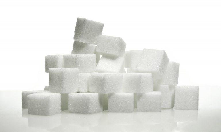Cukry proste – czy rzeczywiście są szkodliwe? Wpływ cukru na zdrowie