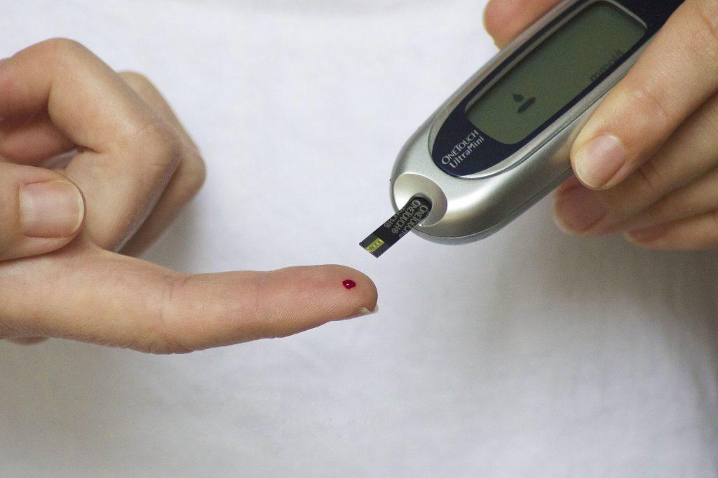 Badanie poziomu cukru we krwi